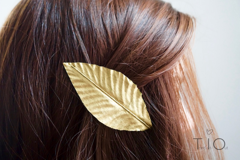 Golden leaf hair clip (Upcycling-DIY)